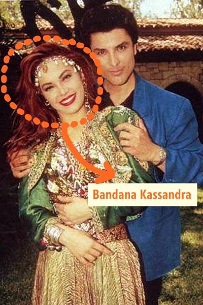 Bandana yang dipakai itu, namanya Bandana Kassandra